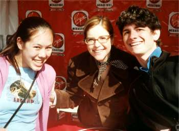 Elise (my girlfriend), Lisa Loeb (rock star), Peter (spent his weekend doing something more fun than blogging)